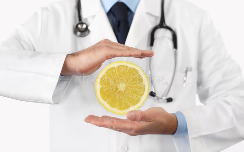 Gezond voedsel en het natuurlijke concept van het voedings medische dieet, handen D stock foto