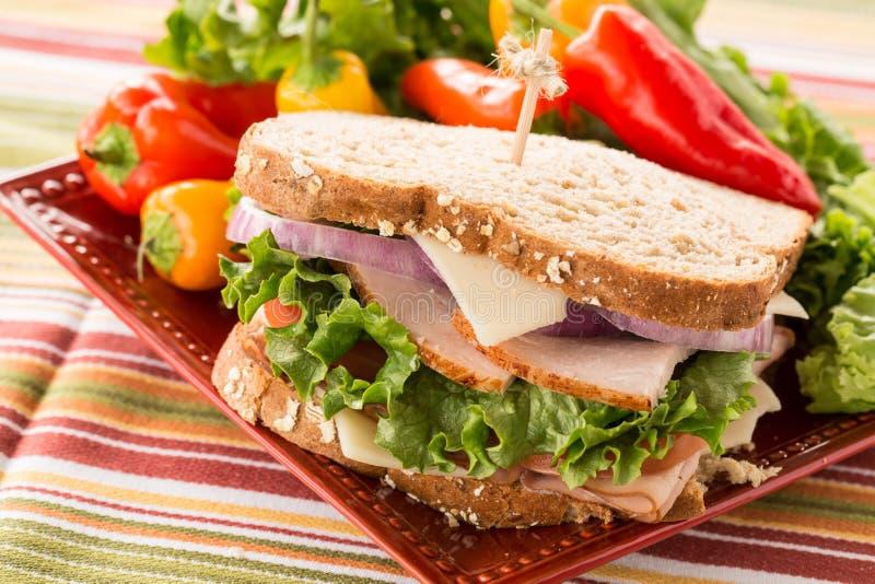 Gezond Voedsel Turkije Ham Sandwich With Sweet Peppers stock foto