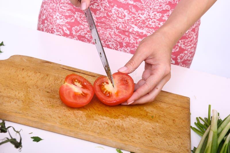 Gezond voedselconcept Scherpe groenten in een salade royalty-vrije stock fotografie