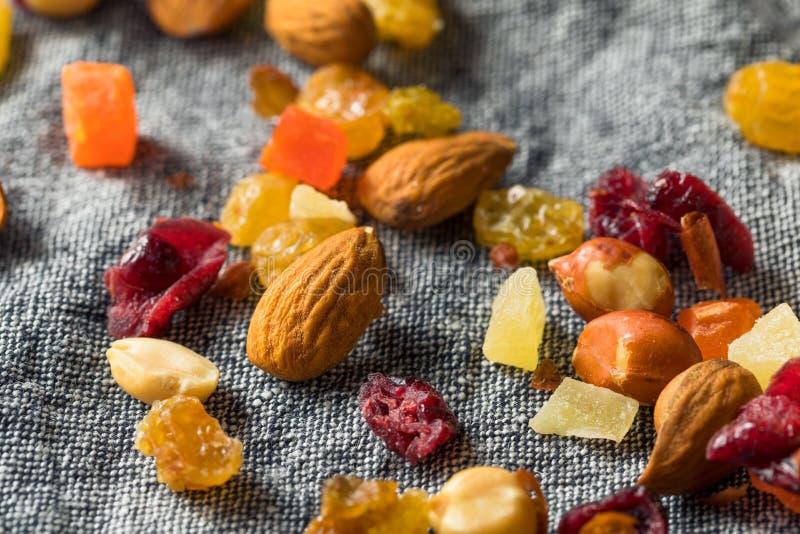 Gezonde Gedroogd fruit en Nootmengeling royalty-vrije stock afbeelding