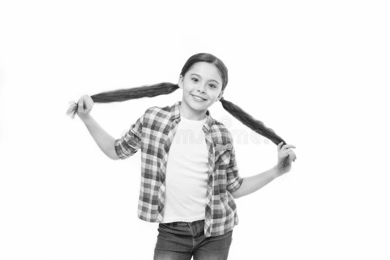 Gezonde haarverzorginggewoonten Jong geitje gelukkig het glimlachen vrolijk gezicht met aanbiddelijke ge?soleerde kapsel witte ac royalty-vrije stock foto