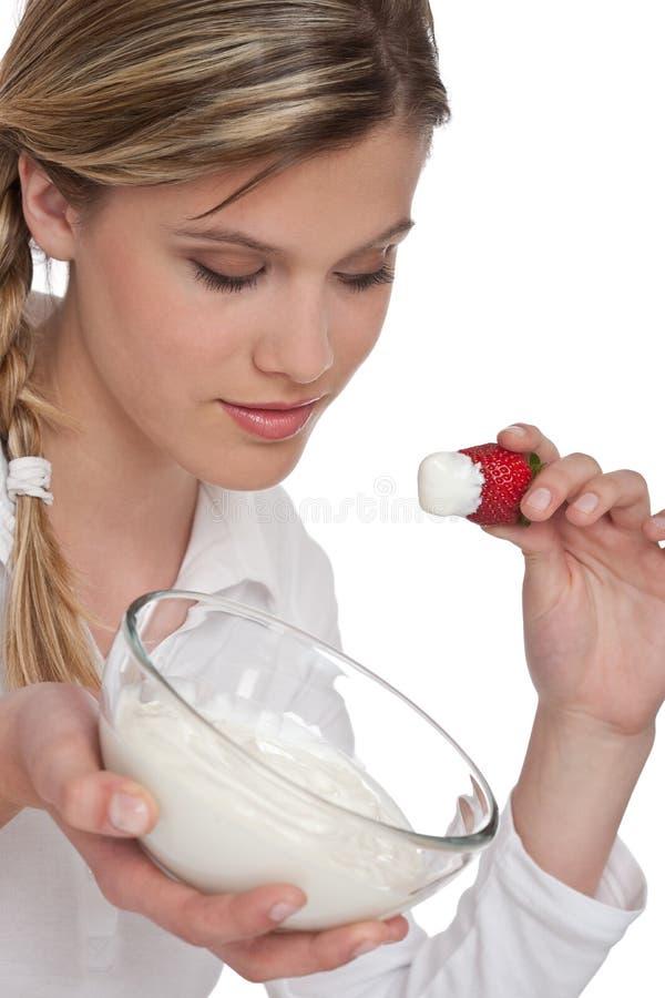Gezonde levensstijlreeks - Vrouw met yoghurt stock afbeeldingen