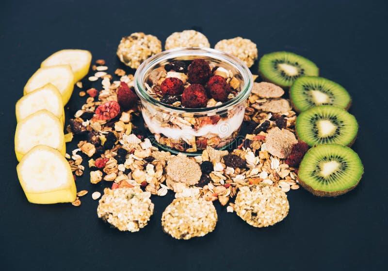Gezonde muesli van ontbijt verse granola stock foto