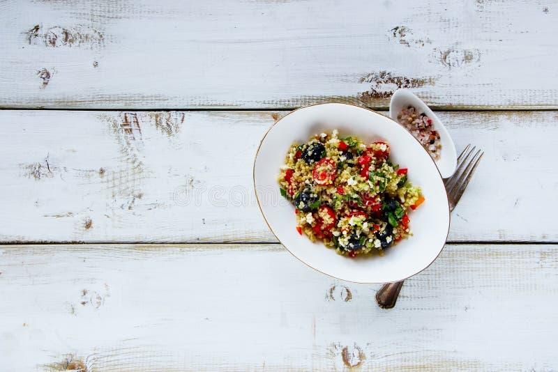 Gezonde Quinoa Salade royalty-vrije stock afbeeldingen