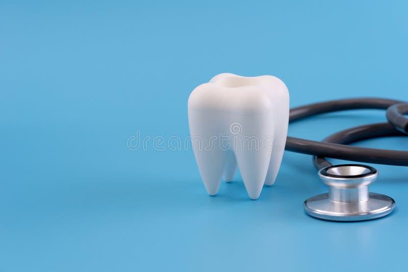 gezonde tandmateriaalhulpmiddelen voor tandzorg Professioneel DE stock fotografie