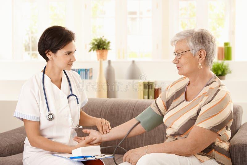 Gezondheidszorg thuis stock afbeeldingen