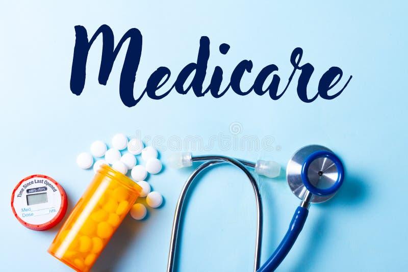 Gezondheidszorgconcept op blauw stock fotografie