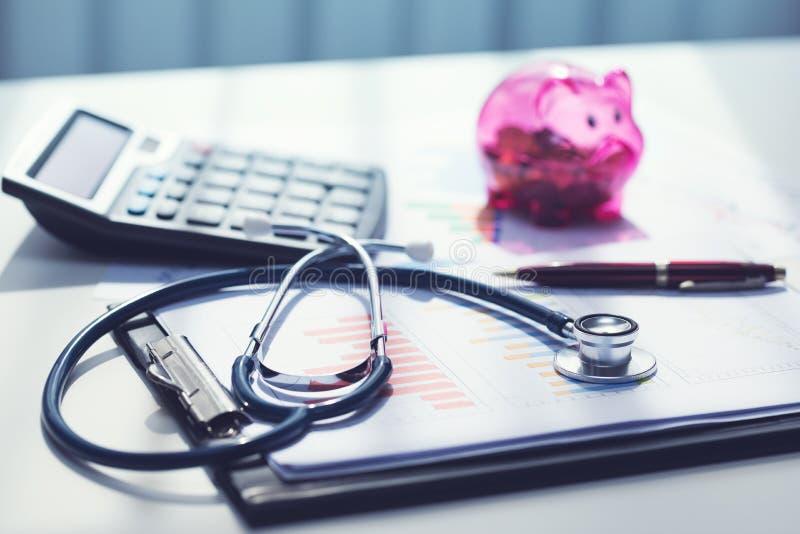 Gezondheidszorgkosten en begroting planning stock foto
