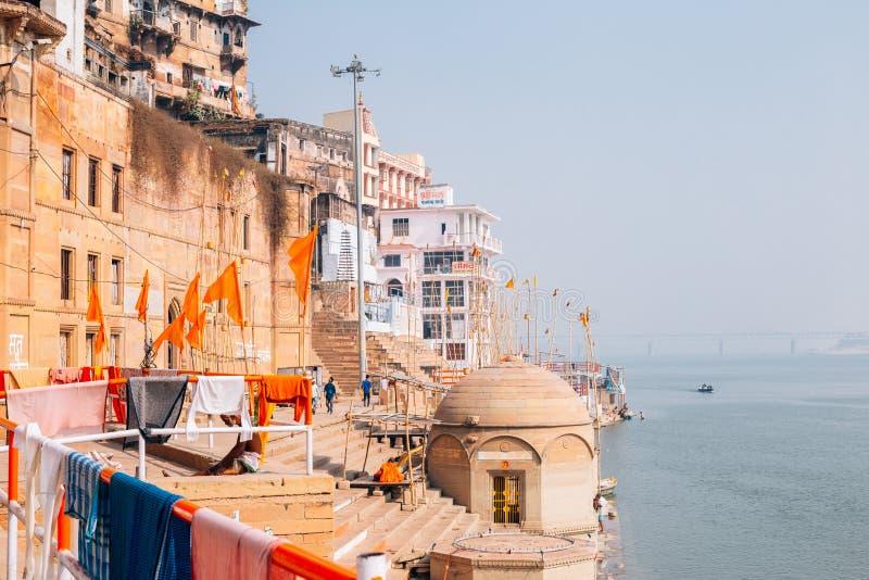 Ghat du Gange à Varanasi, Inde image stock