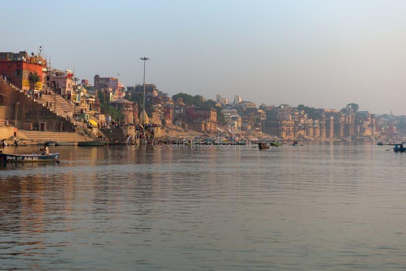 Ghats em Varanasi imagem de stock