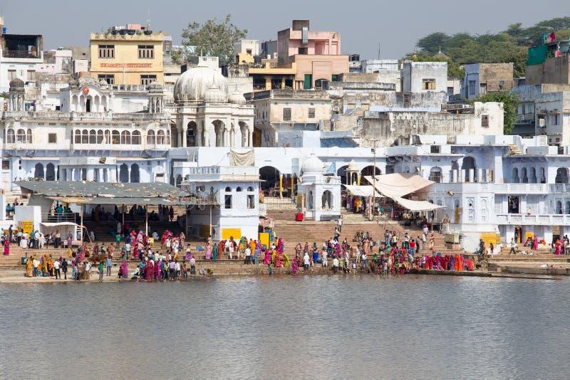 Download Ghats Santi Nel Lago Sacro Sarovar Pushkar, India Immagine Stock Editoriale - Immagine di healing, lago: 56884584