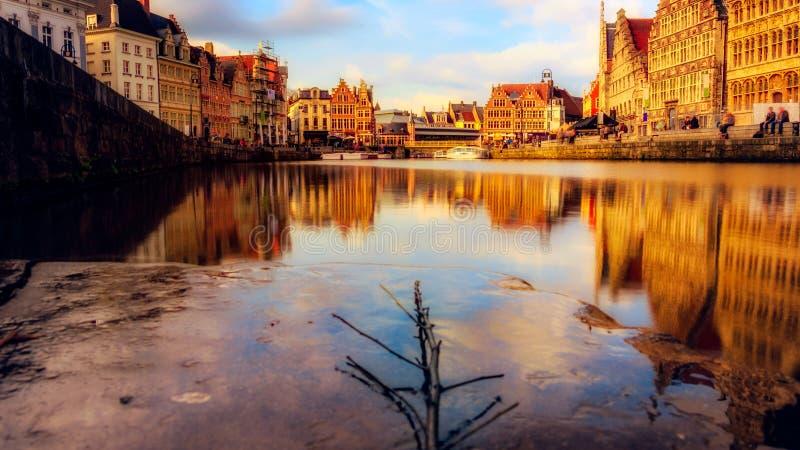 Ghent é uma cidade e uma municipalidade na região flamenga de Bélgica É a cidade principal e a maior do Flanders do leste fotografia de stock royalty free