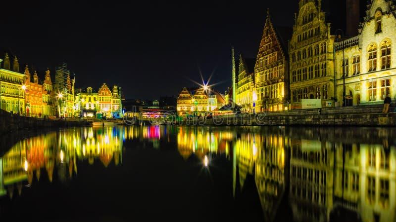 Ghent färger - natt arkivfoto