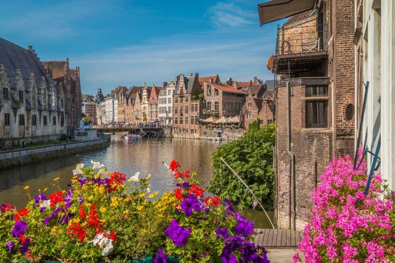 Ghent kanaler i Belgien arkivbilder