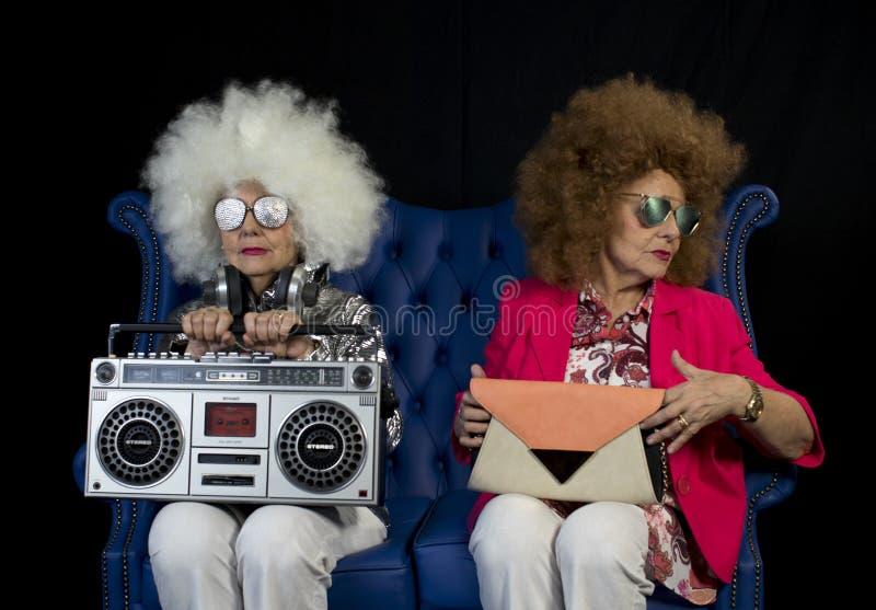 Ghettoblaster gemellato del DJ della nonna funky retro fotografia stock
