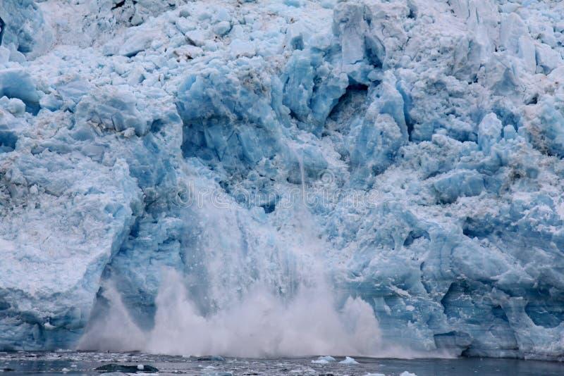 Ghiacciaio di parto - ghiacciaio di Hubbard, Alaska fotografie stock libere da diritti