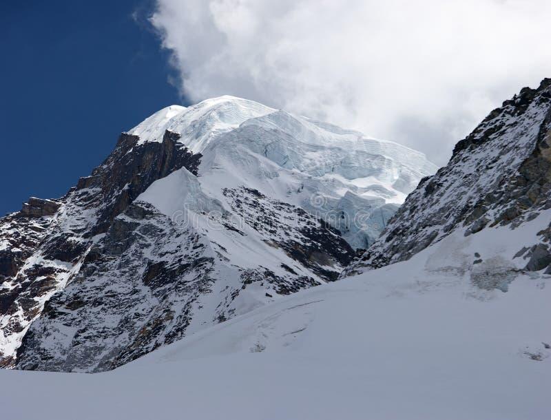 Ghiacciaio gigante alla sommità della montagna, Himalaya, Nepal fotografia stock libera da diritti