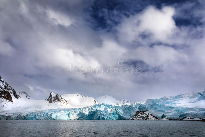 Ghiacciaio le Svalbard di Smeerenburg immagine stock
