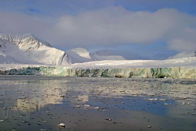 Ghiacciaio su Svalbard fotografia stock libera da diritti