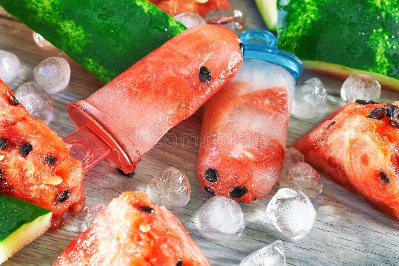 Ghiaccioli congelati dell'anguria fotografia stock