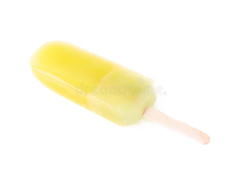 Ghiacciolo di schiocco del ghiaccio su un bastone isolato fotografia stock libera da diritti
