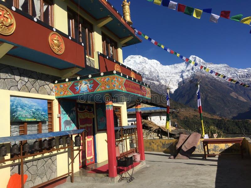 Ghorepanidorp bij Annapurna-Kring in Himalayan-Bergen in Nepal royalty-vrije stock foto's