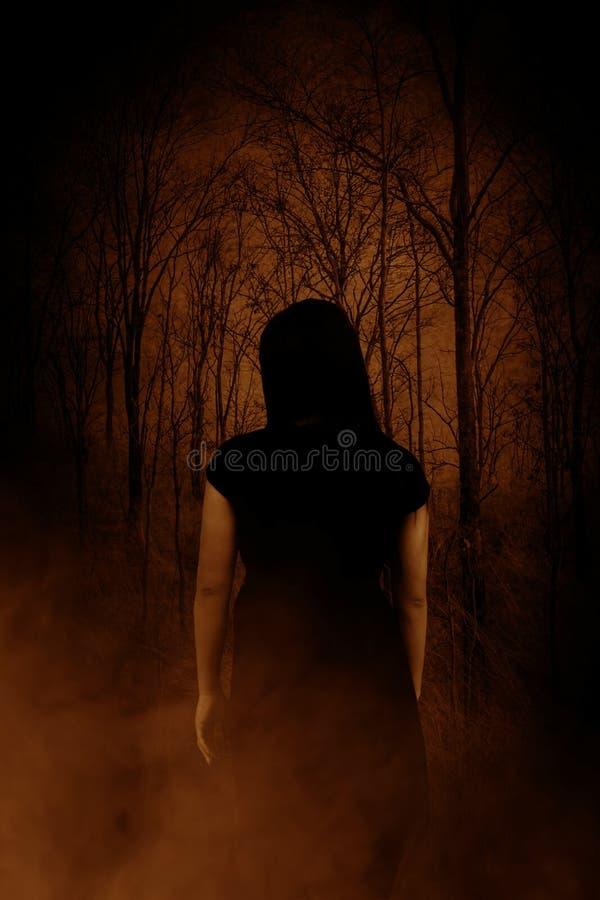 Ghost dans la forêt photographie stock libre de droits