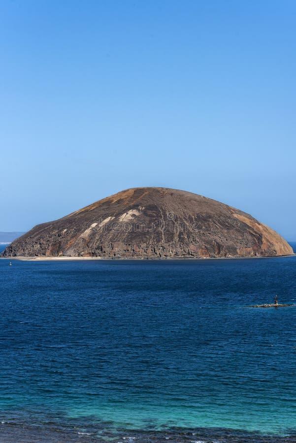 Ghoubet strand, jäkelö Ghoubbet-el-Kharab Djibouti East Africa royaltyfria bilder