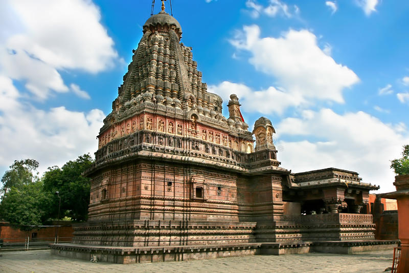 Ghrishneshwar Shiva Tempel mit heiligem lingam lizenzfreie stockfotografie