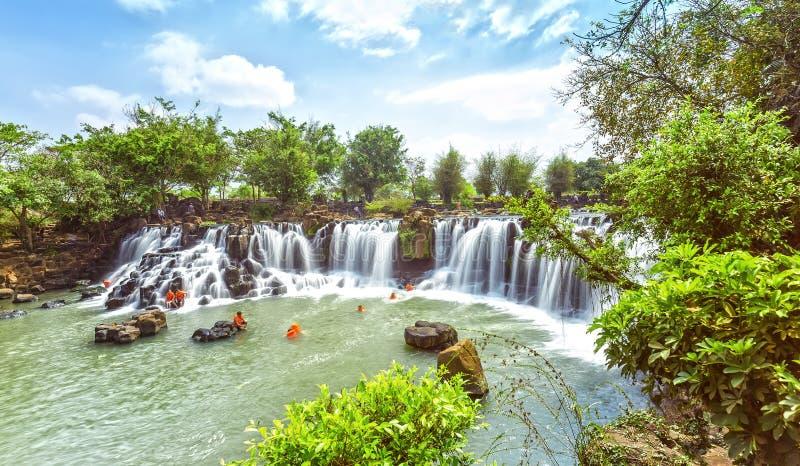 Giang Dien siklawy panoramiczny widzieć od above zdjęcia royalty free