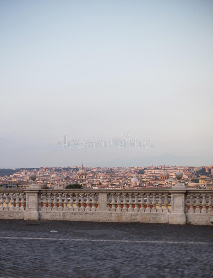 从Gianicolo小山的葡萄酒照片在罗马 免版税图库摄影