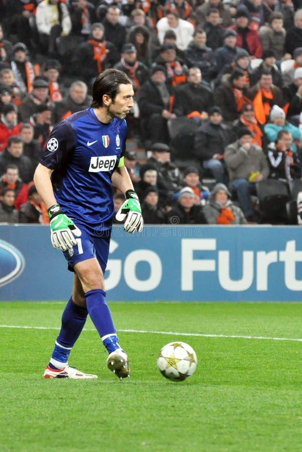 Gianluigi Buffon z piłką zdjęcia stock