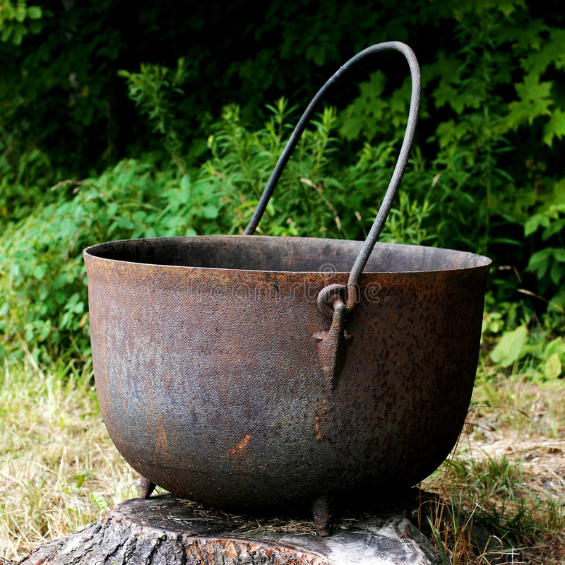 Free Giant Cast Iron Kettle Stock Photography - 3988372
