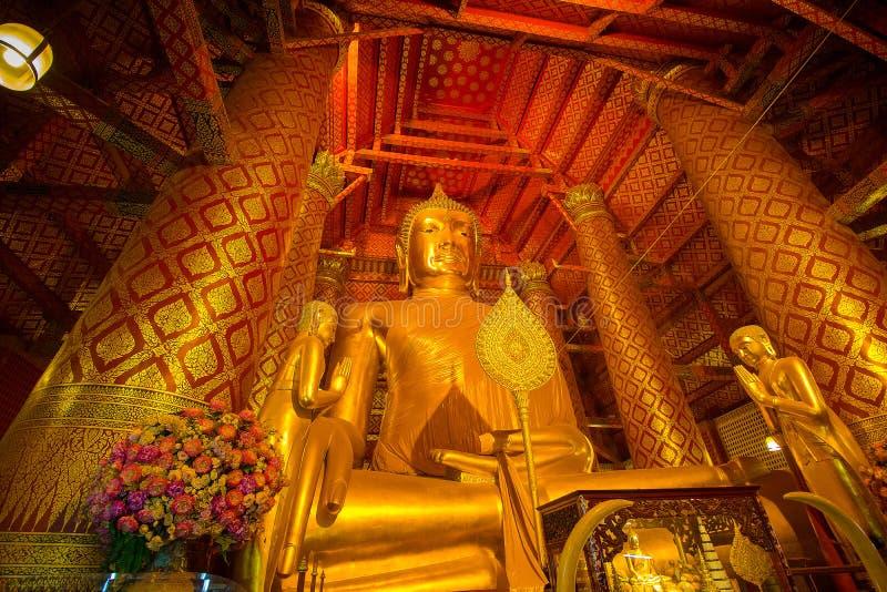 Giant golden Buddha in Wat Phanan Choeng Temple in Ayutthaya, Th stock image