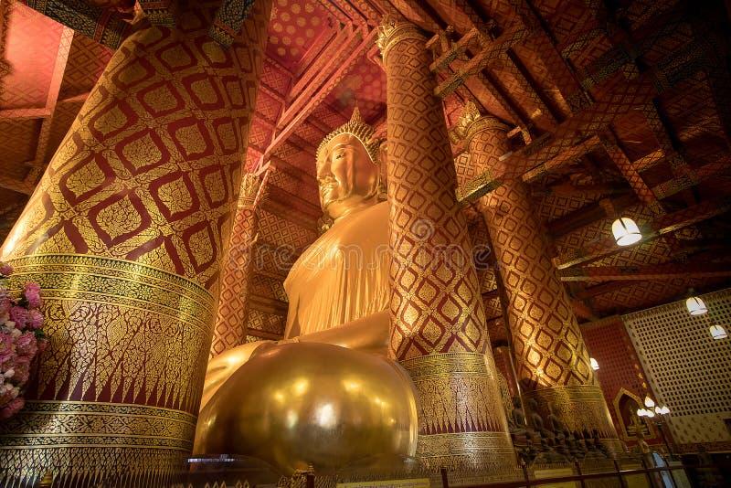 Giant golden Buddha in Wat Phanan Choeng Temple in Ayutthaya, Th stock photo