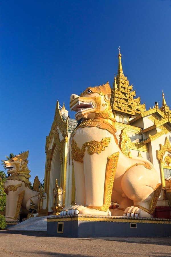 Free Giant Lions At Shwedagon Pagoda Stock Photography - 22563792