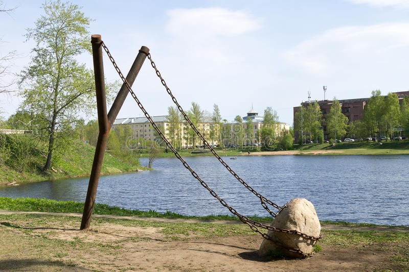 giant-slingshot-art-object-city-landscape-design-northern-russia-petrozavodsk-may-th-72726591.jpg