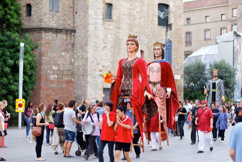 Giants проходят парадом в фестивале 2013 Mercè Ла Барселоны стоковые фотографии rf