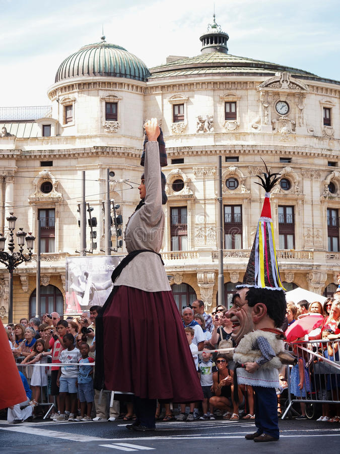 Download Giants And Big Heads In Bilbao Editorial Photo - Image: 26037736
