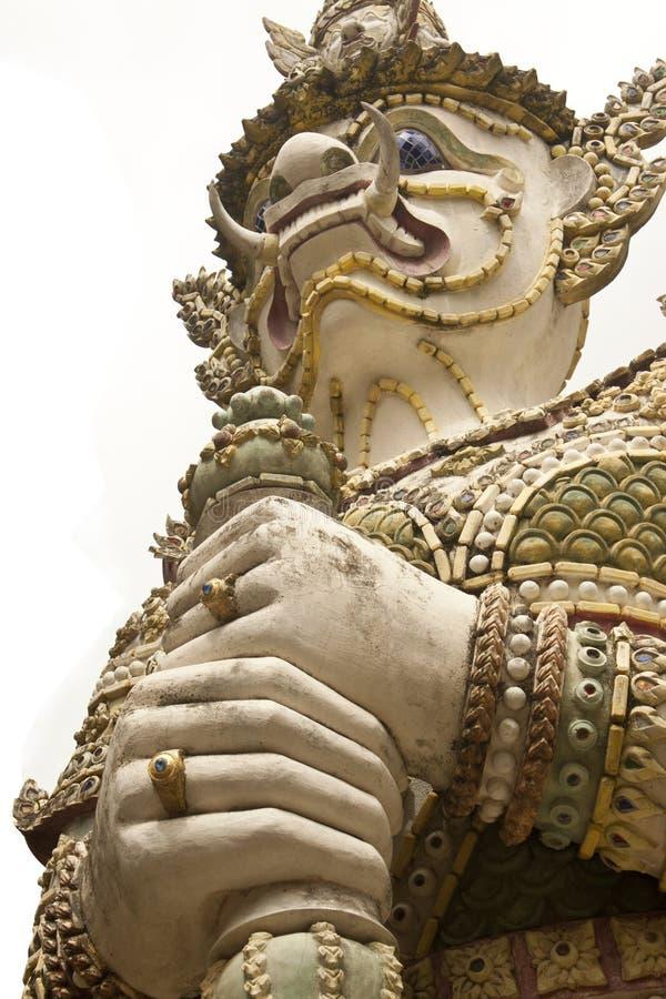 Giants guarda templos budistas. imagens de stock royalty free