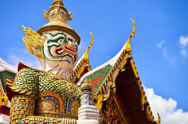 Giants im großartigem Palast und in Wat Pra Keaw, Bangkok stockbild