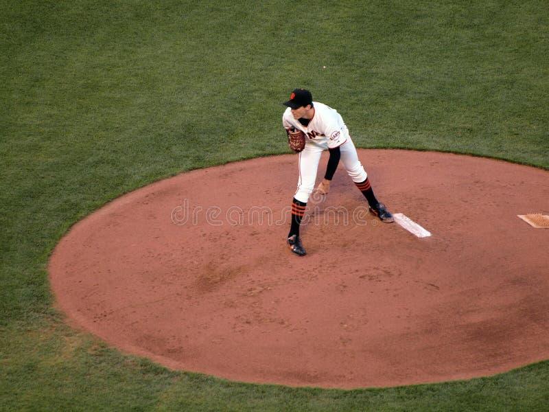 Giants-Krug Barry Zito sucht innen nach einem Signal stockfotos