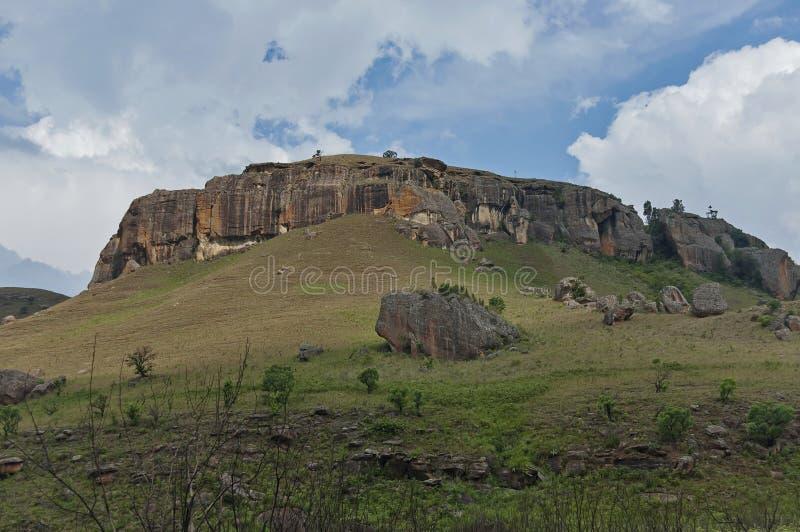 Download Giants Se Escuda La Reserva De Naturaleza De Kwazulu Natal Foto de archivo - Imagen de arbusto, piedra: 41905804