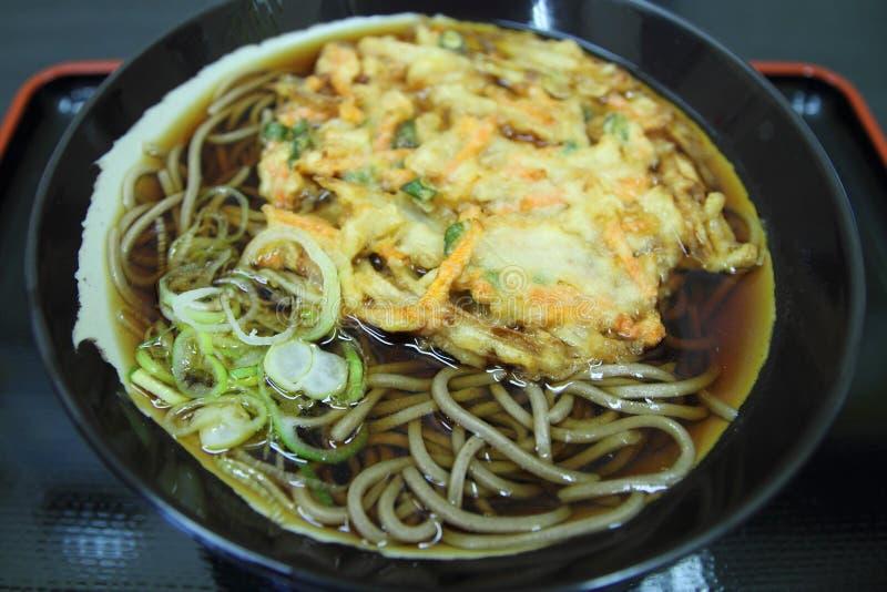 Giapponese Soba con tempura di verdure fotografia stock