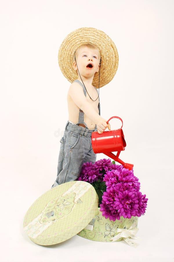 Giardinaggio di Little Boy fotografia stock