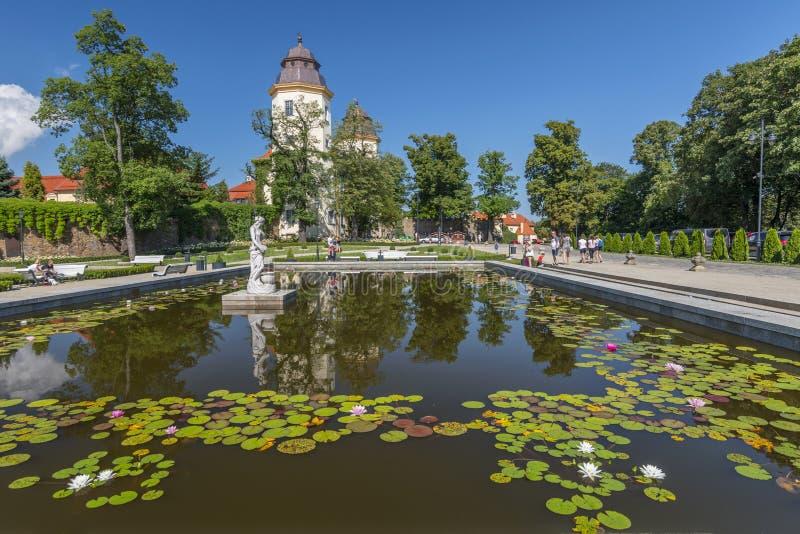 Giardini al castello di Baroque Ksiaz, residenza di Hochbergs, Bassa Slesia, Polonia, Europa fotografie stock libere da diritti