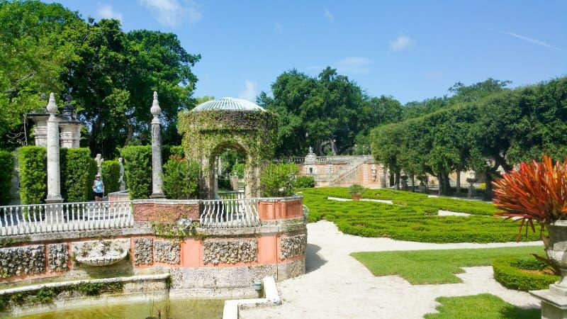 Giardini alla villa Vizcaya immagine stock