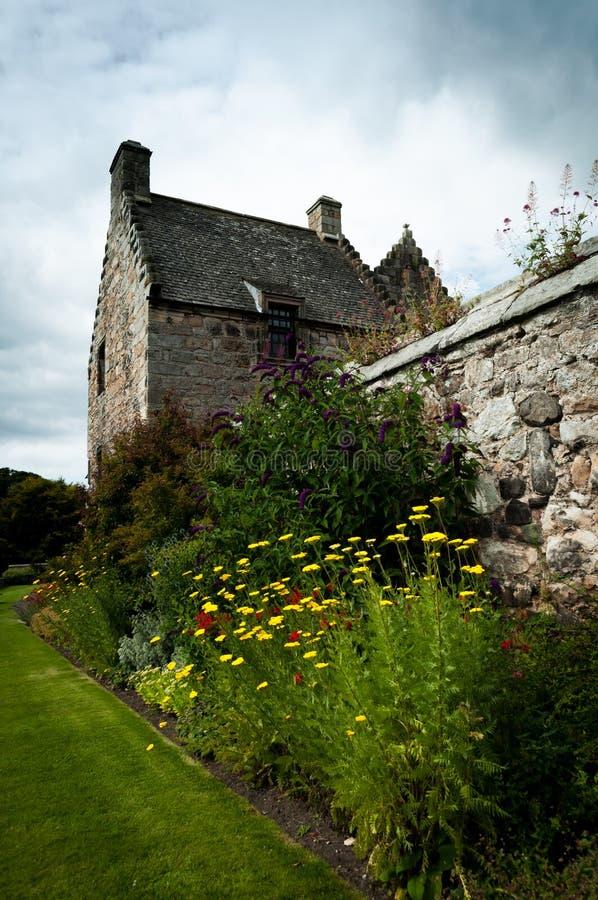 Giardini del castello di Aberdour immagine stock