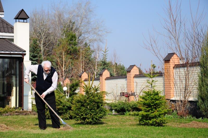 Giardiniere anziano fotografia stock