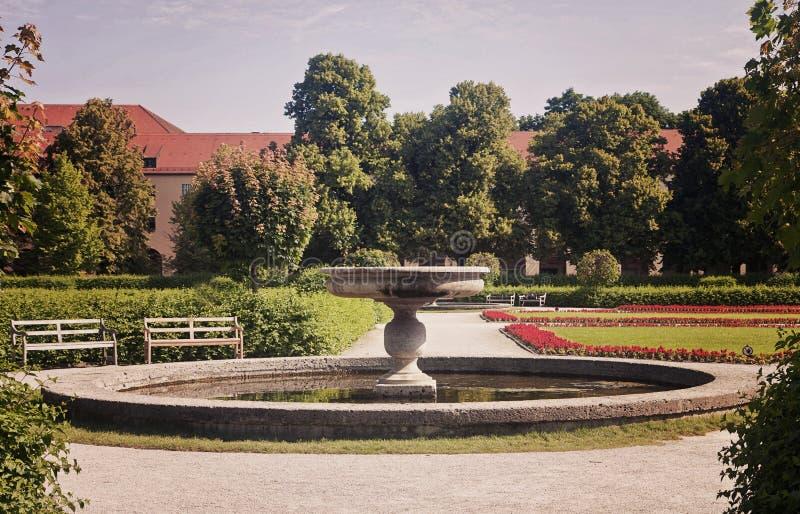 Giardino barrocco di Monaco di Baviera, Germania - di Hofgarten nello stile di rinascita immagini stock
